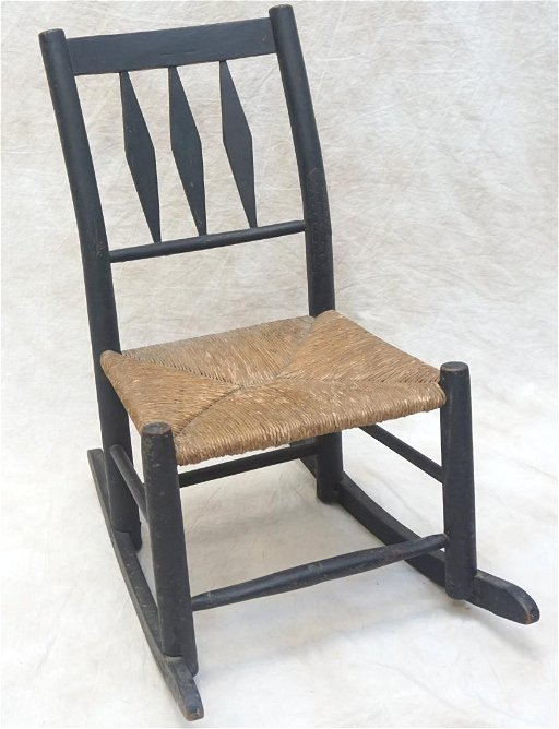 pretty nice 89685 723bc ANTIQUE AMERICAN CHILDS ROCKING CHAIR