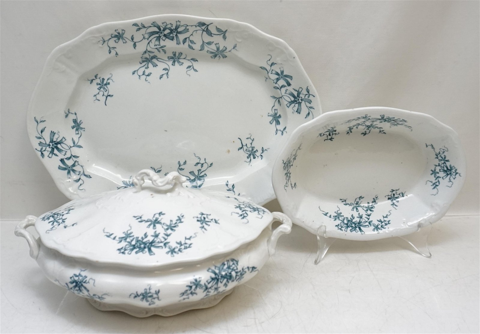 3 PC ANTIQUE COLONIAL POTTERY SUTHERLAND