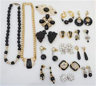 16 pc COSTUME JEWELRY GROUPING - WEISS - MONET +
