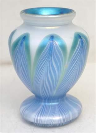 VANDERMARK PULLED FEATHER ART GLASS VASE SIGNED
