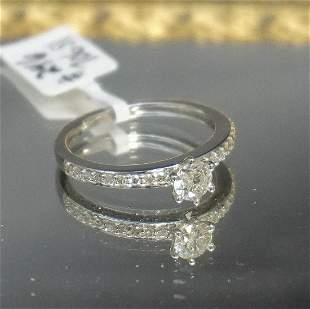 DIAMOND SOLITAIRE STYLE RING
