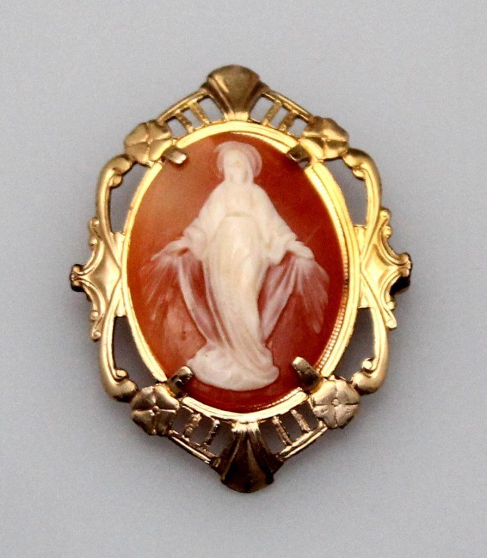 4 pc EDWARDIAN / VICTORIAN  CAMEO BROOCHES - 2