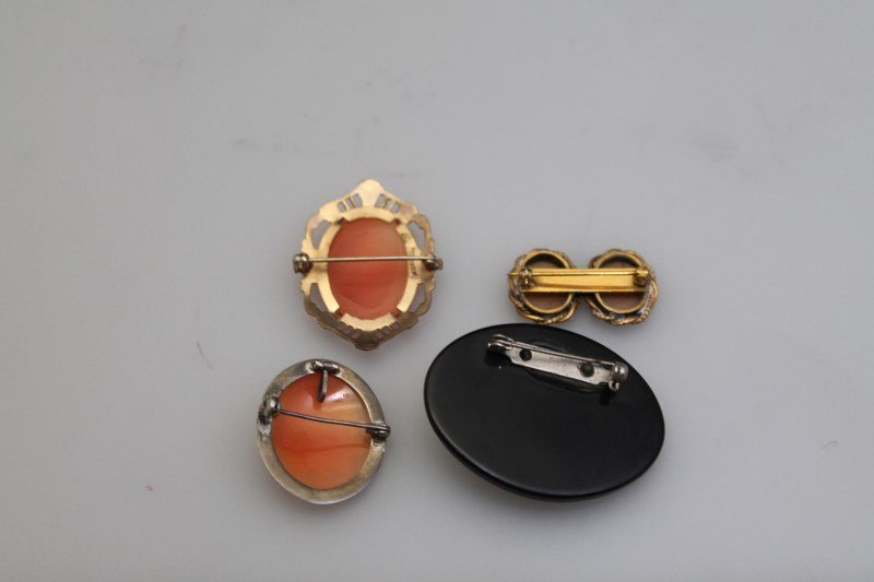 4 pc EDWARDIAN / VICTORIAN  CAMEO BROOCHES - 6