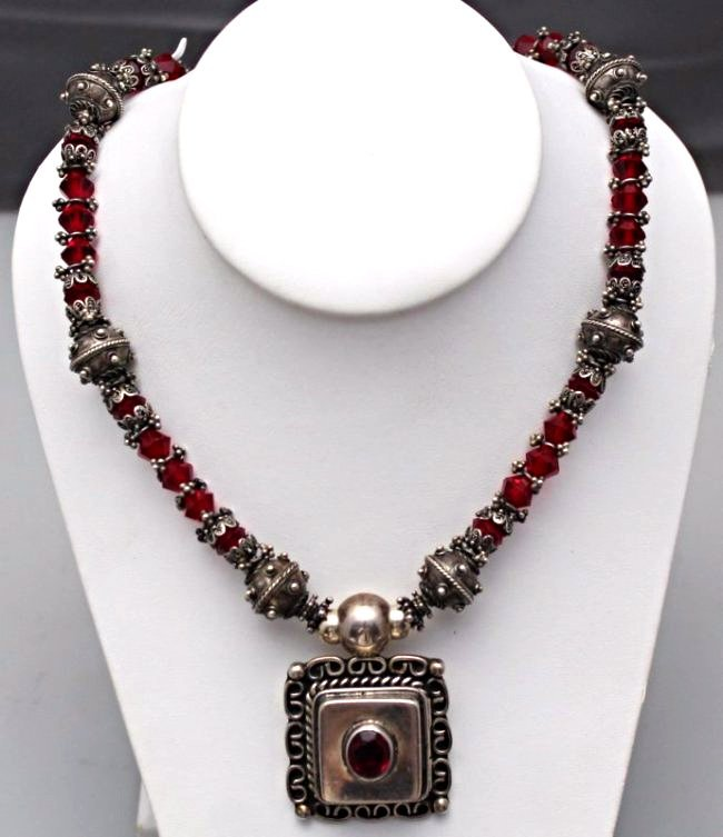 TAXCO STERLING SILVER NECKLACE WITH PENDANT
