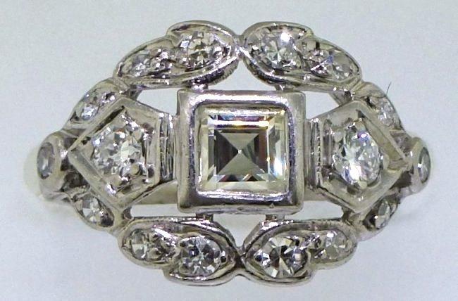 DIAMOND & PLATINUM ART DECO RING