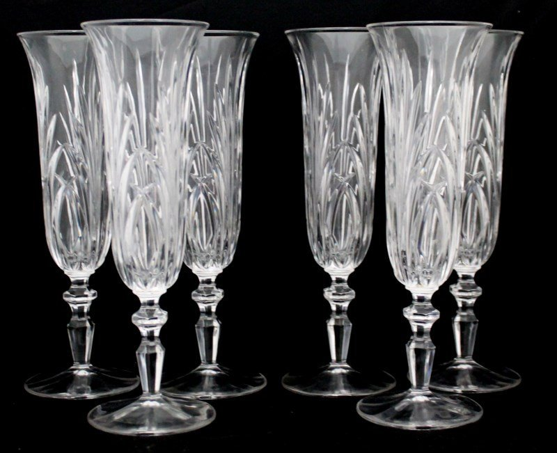 6 ETCHED CRYSTAL CHAMPAGNE FLUTES