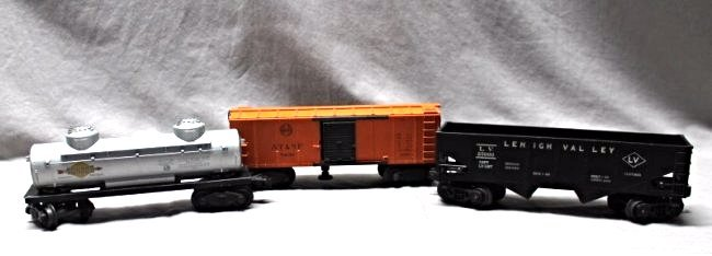 3 PC. 1940s LIONEL TRAINS HOPPER - BOX CAR - SUNOCO