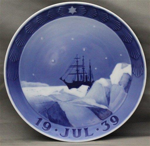 Royal Copenhagen Christmas Plates.1939 Royal Copenhagen Christmas Plate Greenland
