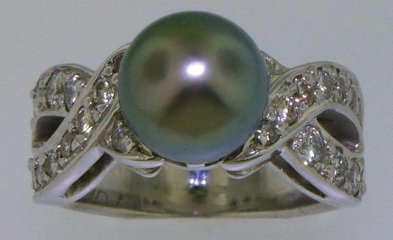 PLATINUM TAHITIAN PEARL & DIAMOND RING (17.70 GRAMS)