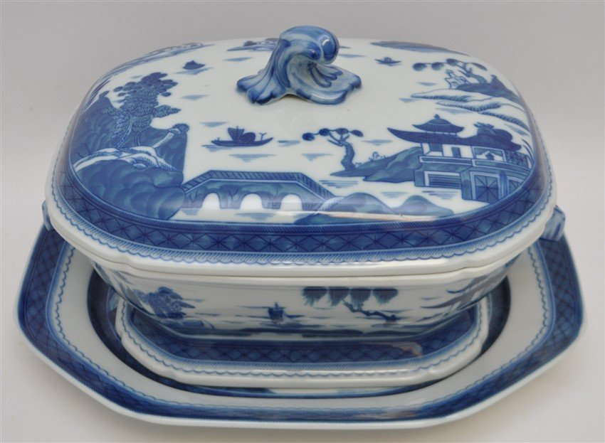 LARGE MOTTAHEDEH BLUE CANTON TUREEN & UNDERPLATE - 3