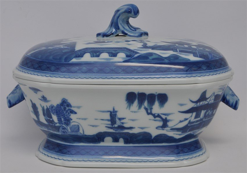 LARGE MOTTAHEDEH BLUE CANTON TUREEN & UNDERPLATE - 7