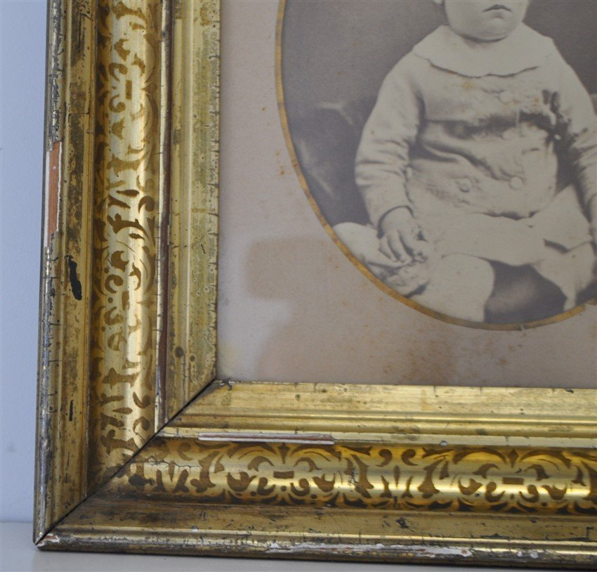 ANTIQUE STERN FACED CHILDS PHOTOGRAPH SHADOWBOX - 4