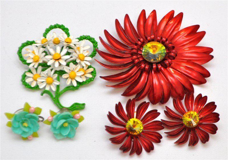 4 Pc ENAMELED FLOWER POWER 1960s DEMI PARURE + MORE