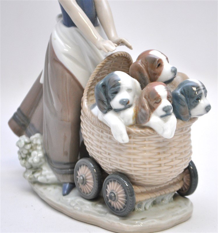LLADRO FIGURINE # 5364 LITTER OF FUN GIRL WITH PUPPIES - 2