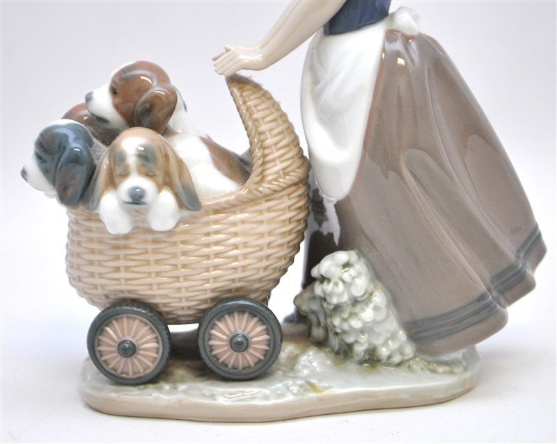 LLADRO FIGURINE # 5364 LITTER OF FUN GIRL WITH PUPPIES - 5