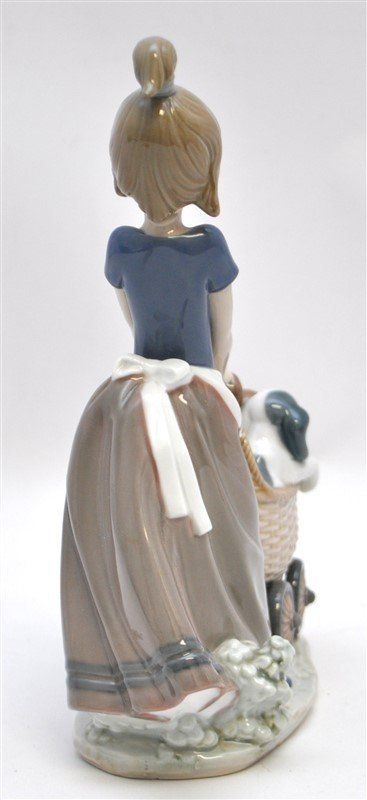 LLADRO FIGURINE # 5364 LITTER OF FUN GIRL WITH PUPPIES - 6