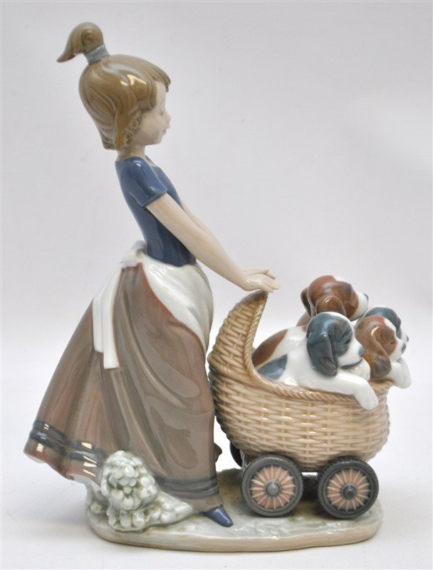 LLADRO FIGURINE # 5364 LITTER OF FUN GIRL WITH PUPPIES - 8