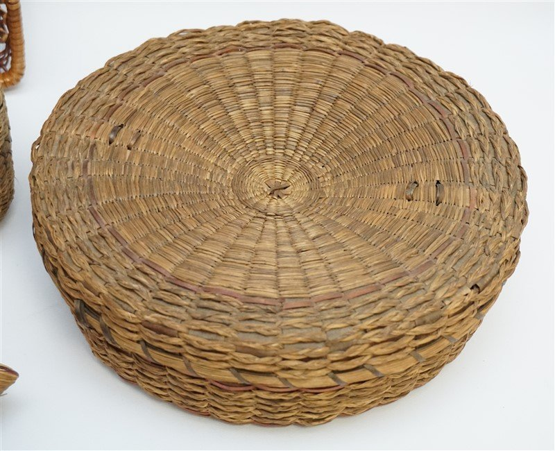 7 ANTIQUE BASKETS - SPLINT - WICKER - 2