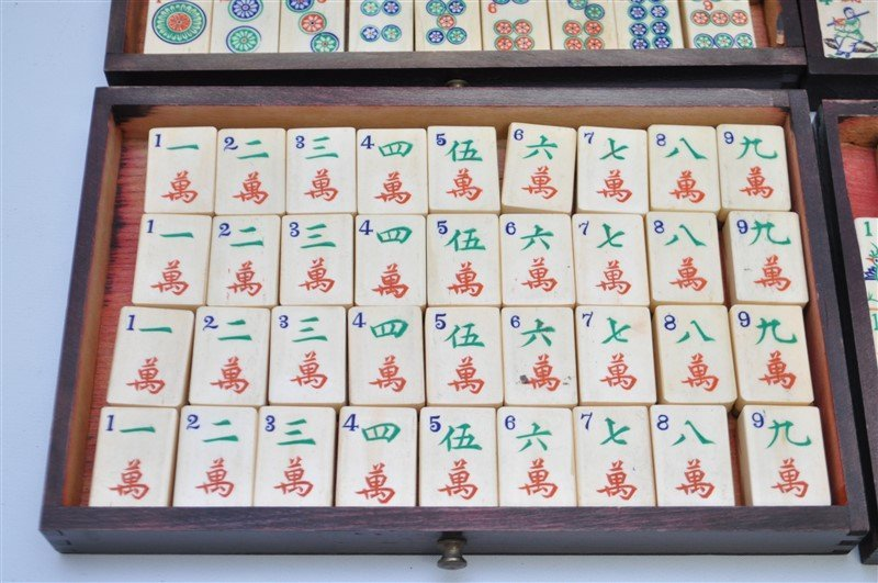 VINTAGE MAHJONG SET IN ORIGINAL WOOD BOX - 2