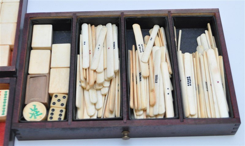 VINTAGE MAHJONG SET IN ORIGINAL WOOD BOX - 6