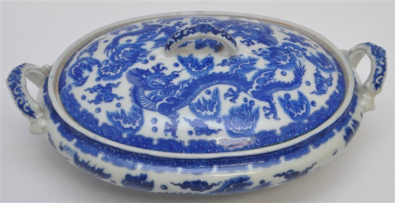 CHINESE EXPORT BLUE & WHITE COVERED TUREEN - 2