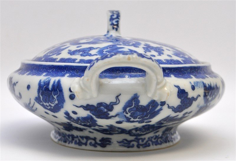 CHINESE EXPORT BLUE & WHITE COVERED TUREEN - 3
