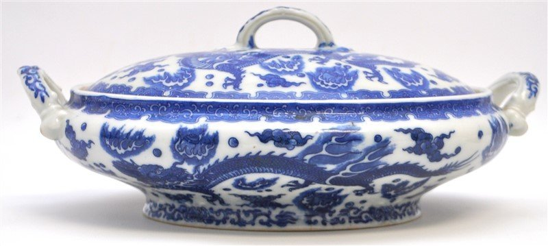 CHINESE EXPORT BLUE & WHITE COVERED TUREEN - 4