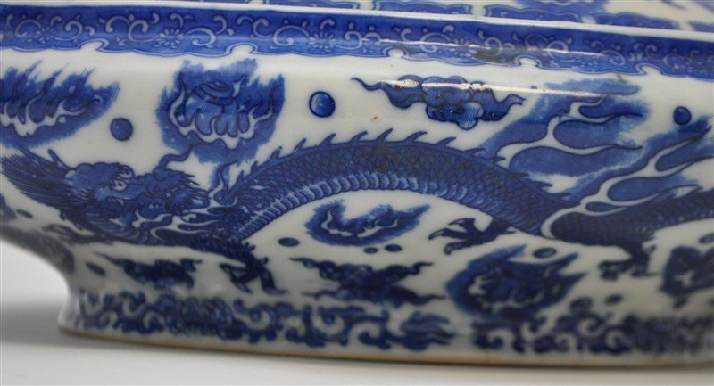 CHINESE EXPORT BLUE & WHITE COVERED TUREEN - 5