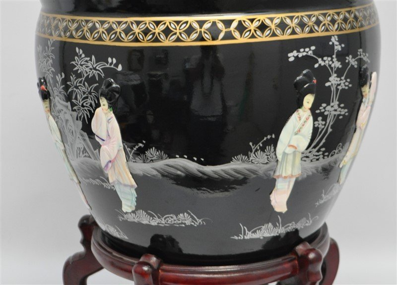 CHINESE PORCELAIN FISH BOWL W MOP - 3