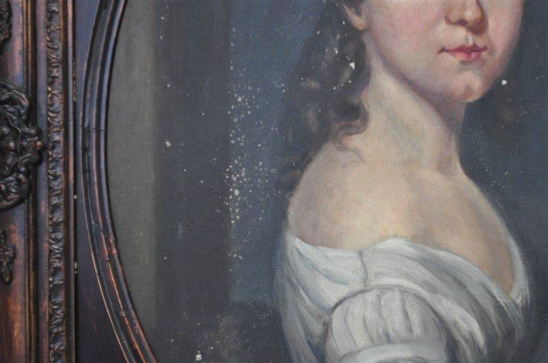 VTG PORTRAIT OF WOMAN IN OVAL FRAME - 6