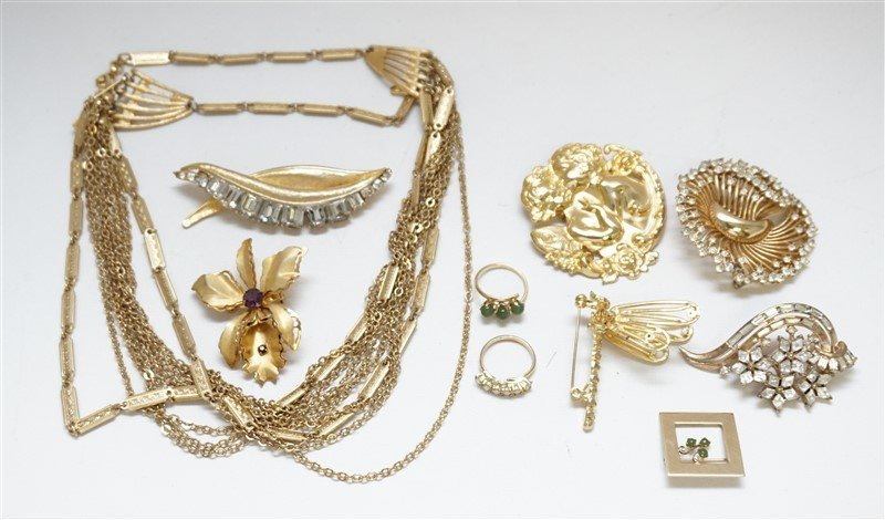 10 pc VTG 1950-60 COSTUME JEWELRY