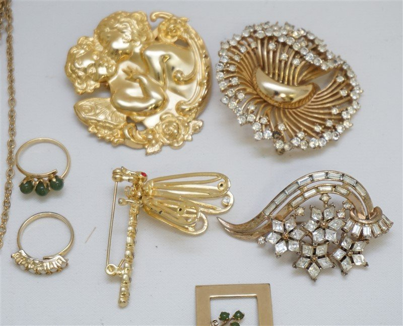 10 pc VTG 1950-60 COSTUME JEWELRY - 3