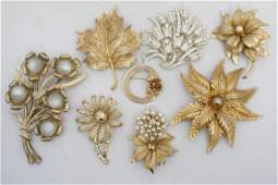 8 pc VINTAGE COSTUME JEWELRY BROOCHES
