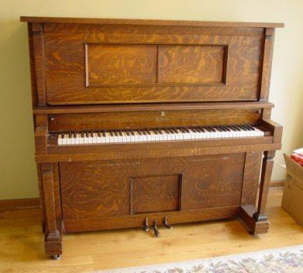 705: Electrified Player Piano Oak 50 Piano Rolls