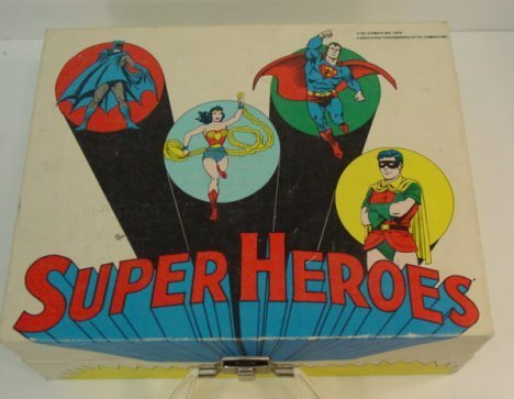 820: DC Comics  Superheroes Record Player - 2