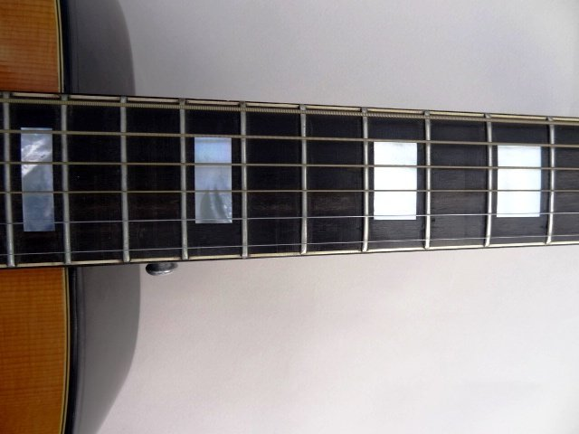 Gibson Heritage Guitar - 4