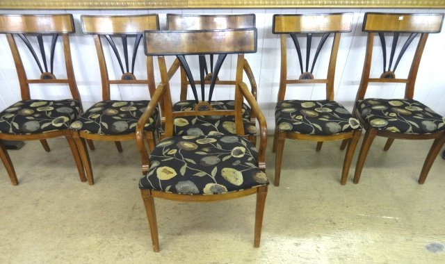 Contemporary Inlaid Table & Chairs - 3