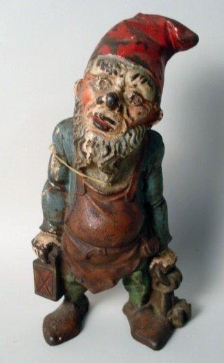 1016: Cast Iron Doorstop Knome