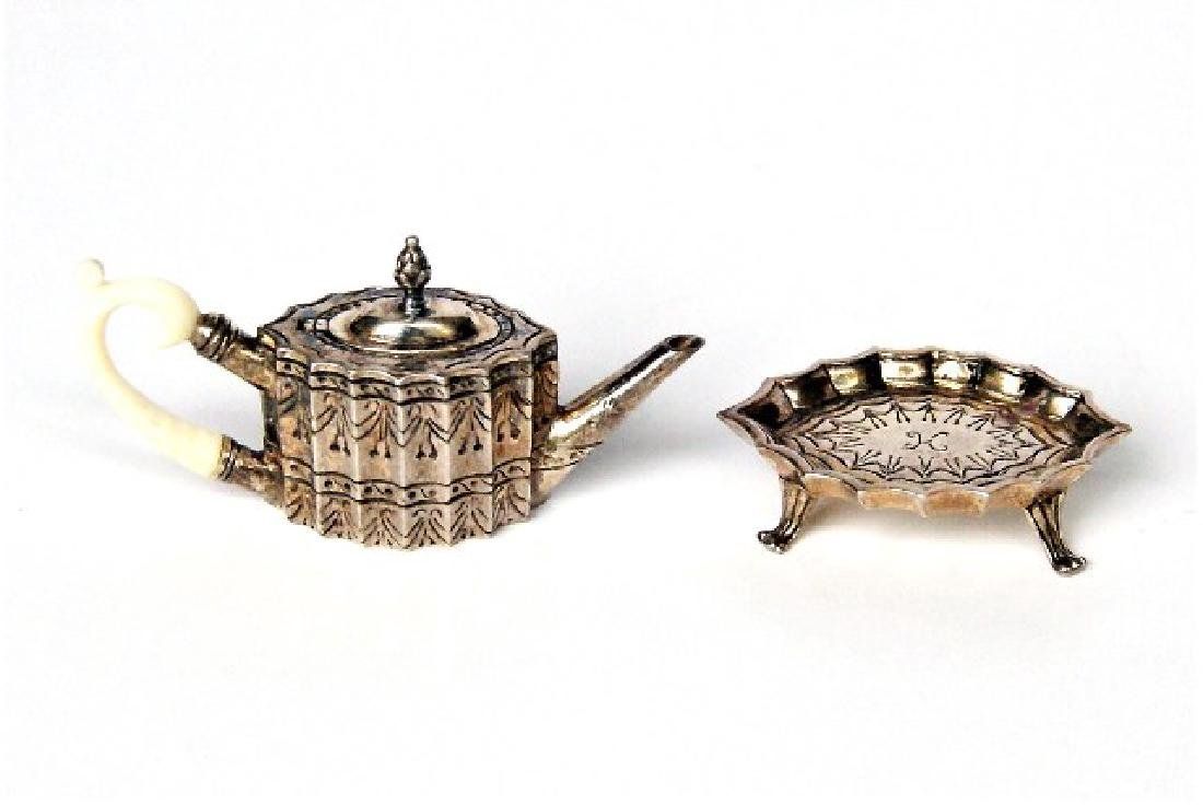 Obadiah Fisher Teapot & Sugar Bowl on Stands Dollhouse - 3