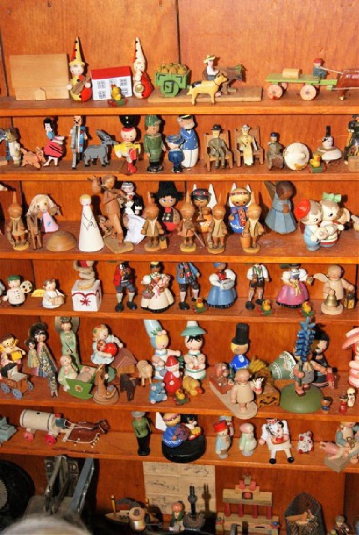 Mister Geppetto & Pinocchio Mott's Museum Room Box - 4