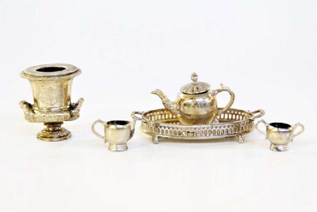 Acquisto Wine Cooler & Ken Palmer Tea Set