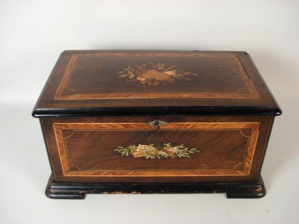 1181: Inlaid Music Box with Butterflies and Bees