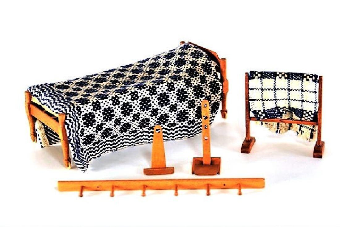George Hoffman Quaker Bed & Furniture Dollhouse