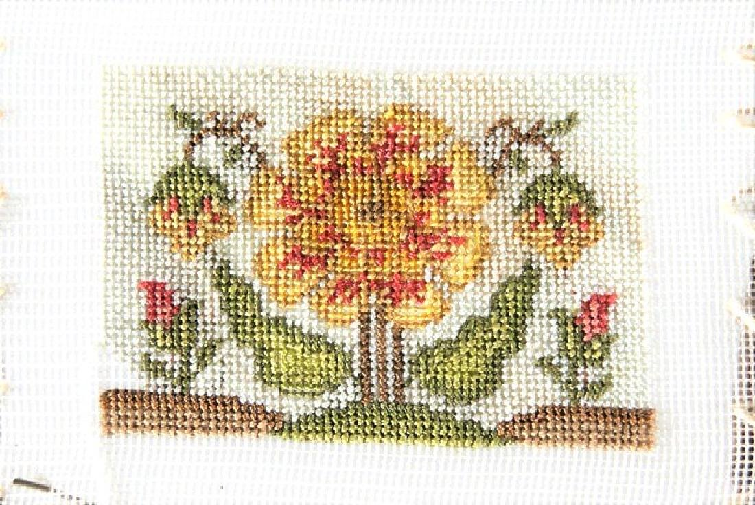 Carol Hardy Embroidery & Others Dollhouse Miniatures - 3