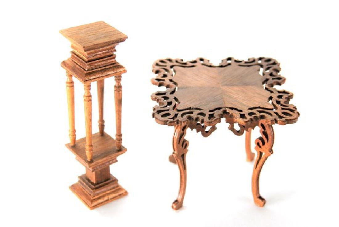 Judy Beals Victorian Table & Pedestal for Dollhouse