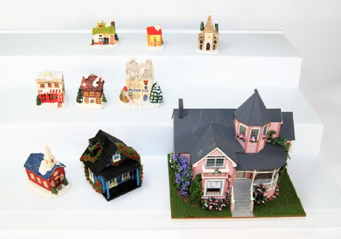 Small Toy Houses for Dollhouse Display Miniatures