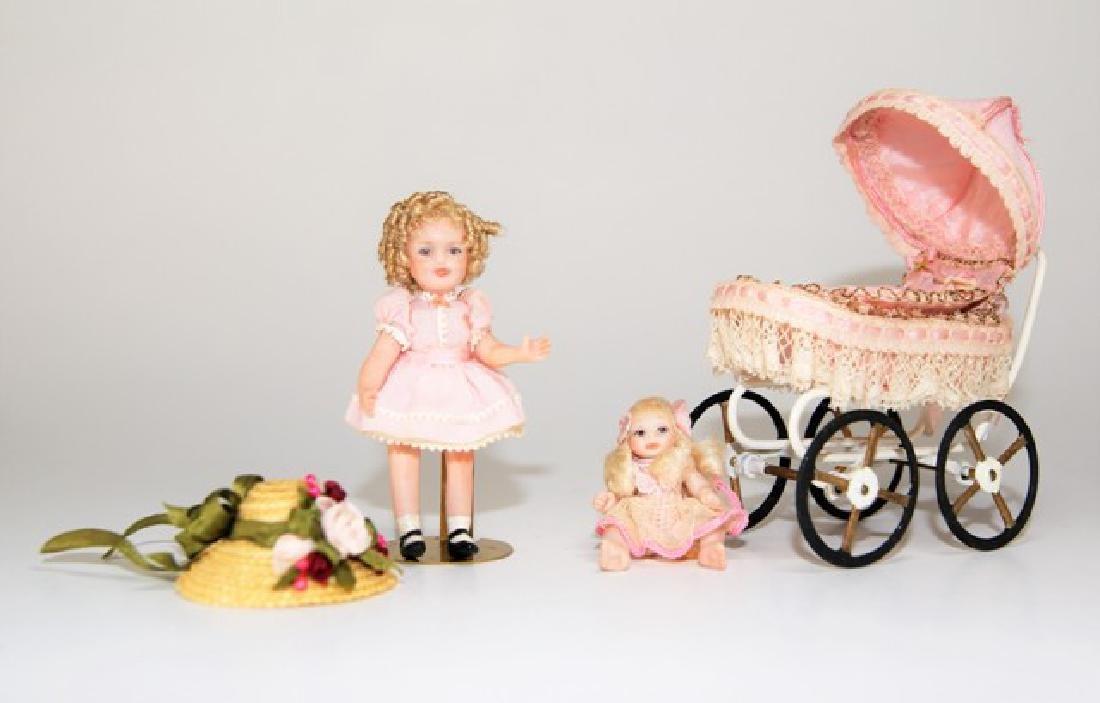 Artisan Dollhouse Dolls & Carriage Miniatures