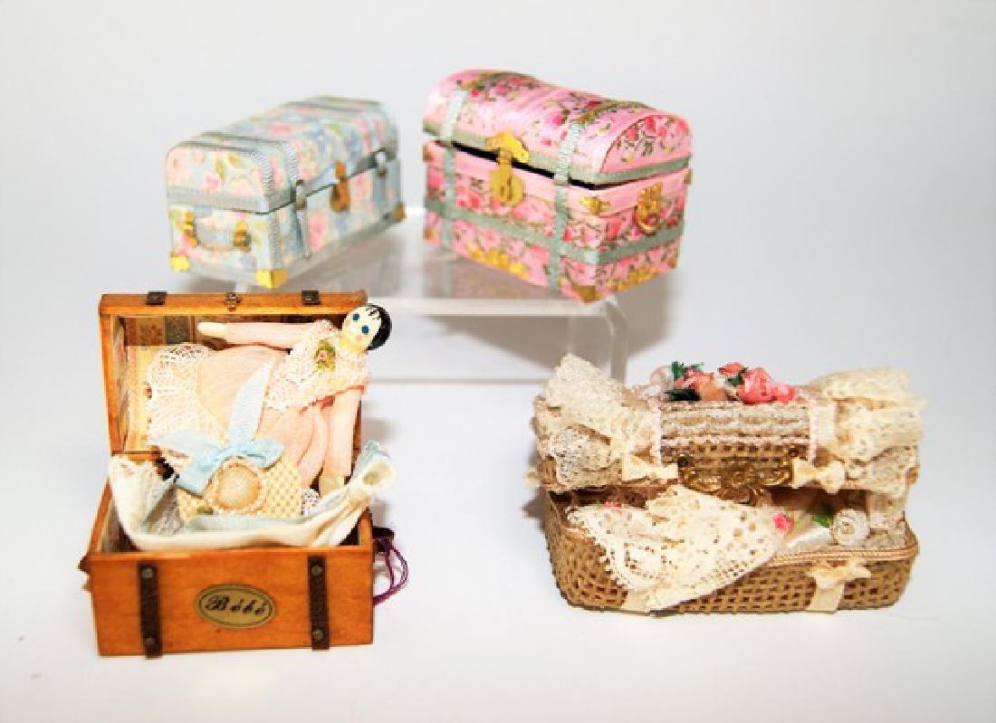 Artisan Dollhouse Doll Trunks Miniatures