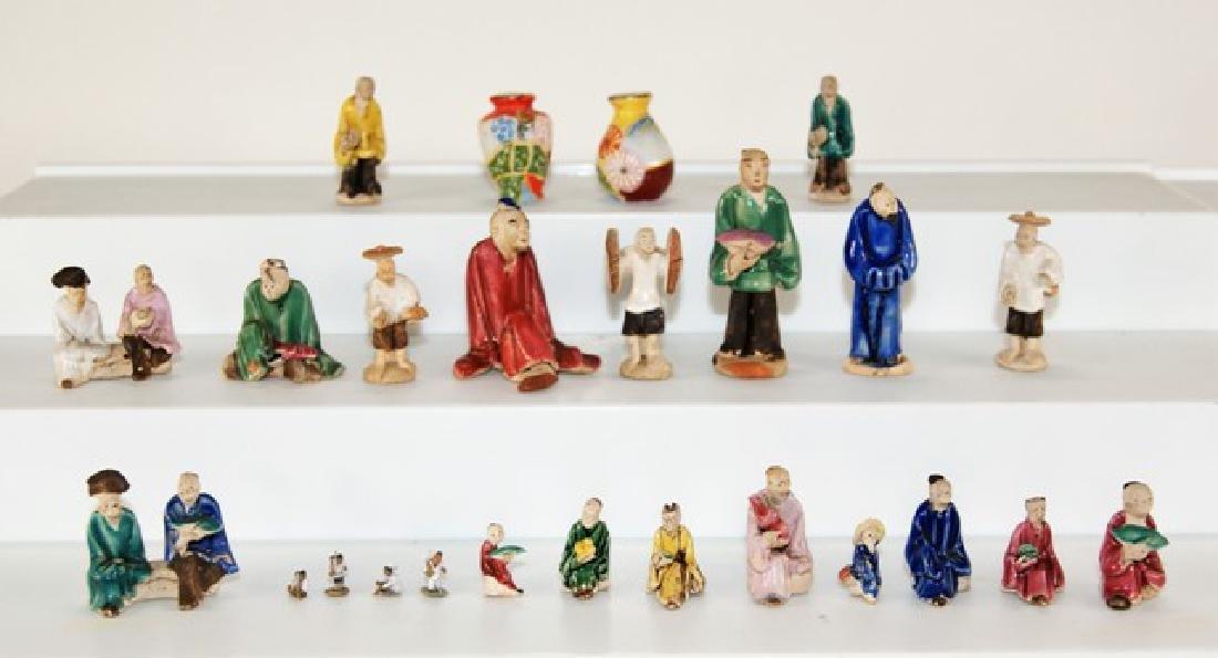 Asian Mudmen Figures & Vases for Dollhouse Miniatures