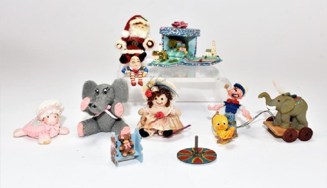 Small Artisan Dollhouse Toys Miniatures